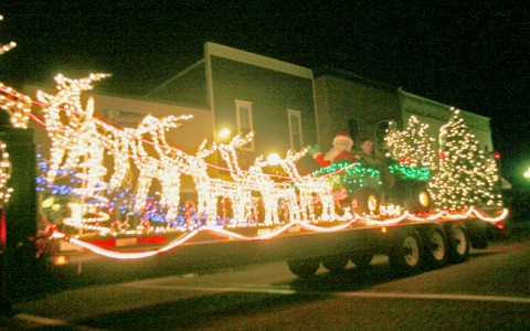 A dazzling entry in the 2011 Parade of Lights.